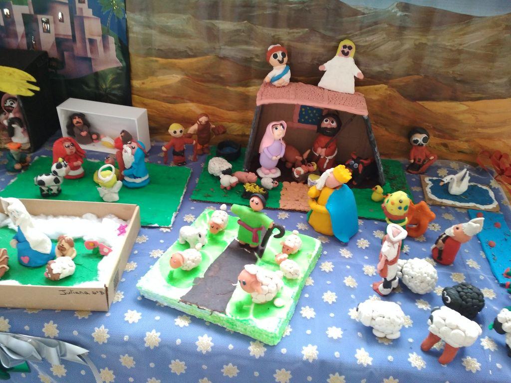 Fotos Esta Navidad Belenes Originales.Belenes Originales Para La Familia De Nazaret Colegio